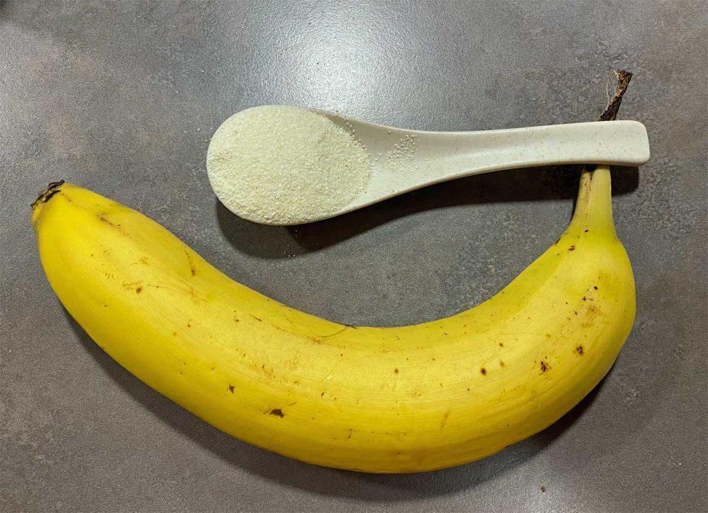 Banane und Gries als Zutat für Hundekekse.